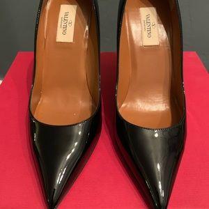 Valentino black pumps